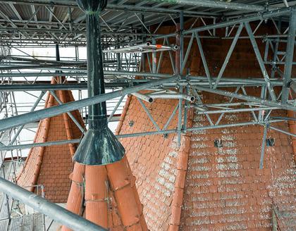 Eingerüsteter Haager Schlossturm, Foto: Günster