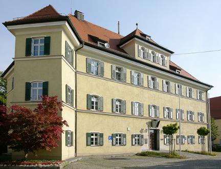 Rathaus - Frontansicht, Foto: Günster