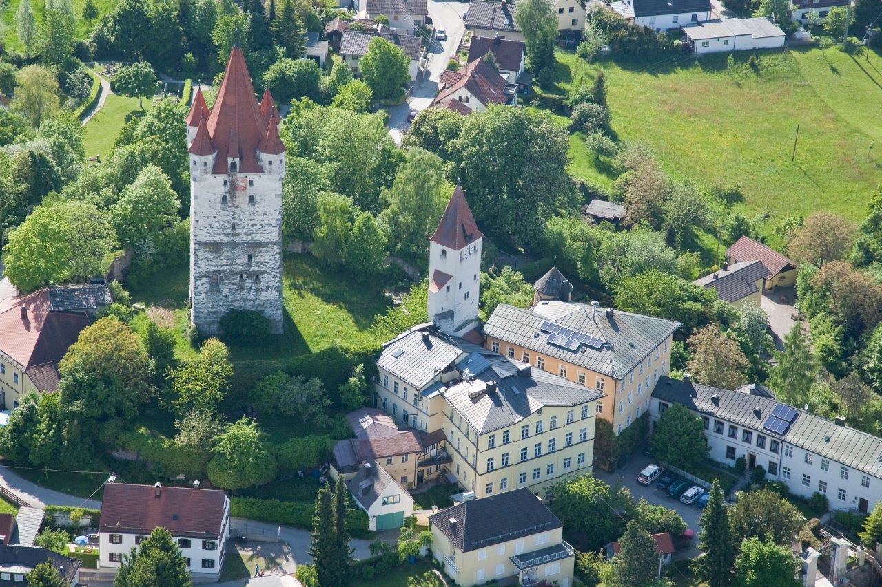 Turm und Umgebung